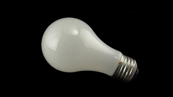 Glühbirne zum Leuchten bringen 1